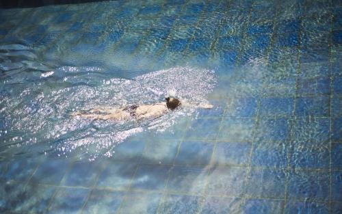 swim blue tiles